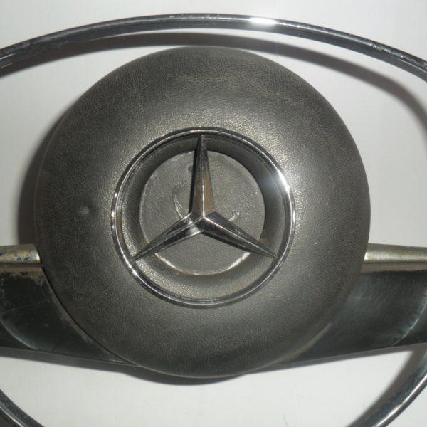 volante-mercedes-2